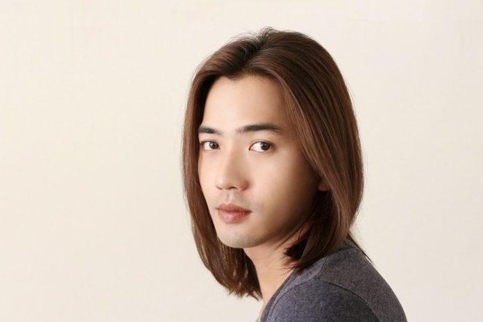 długie włosy męskie
