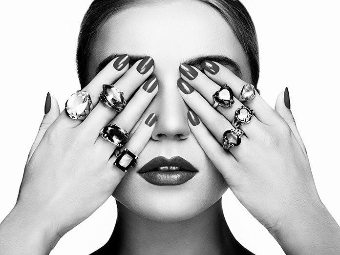Najpiękniejsze kamienie w pierścionkach – który warto i jak wybrać?