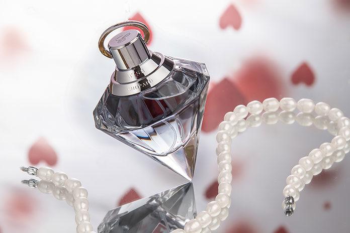 Zasady kupowania perfum. Poradnik