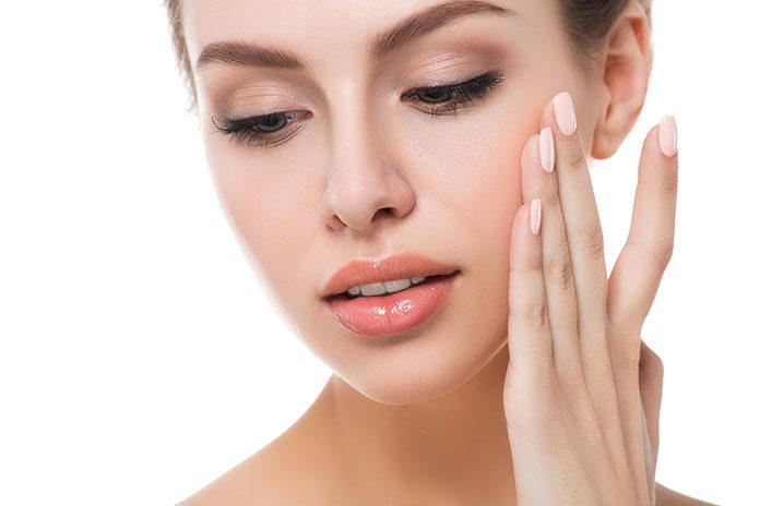 Make up-no make up: jak dobrać pomadkę w kolorze nude?