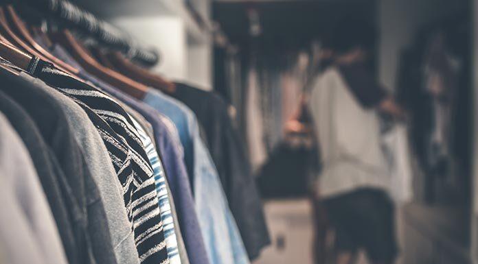 Dlaczego warto kupować ubrania w outlecie